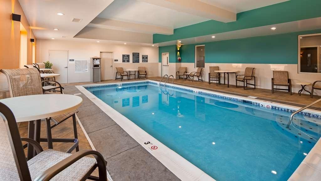 Best Western Plus Owensboro - Vista de la piscina