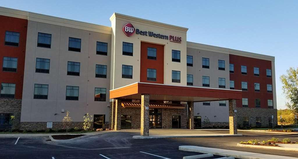 Best Western Plus Elizabethtown Inn & Suites - Façade