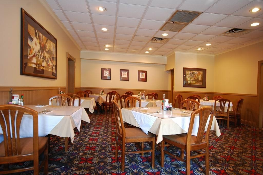 Best Western Forest Inn - Dining Area is our Full Service Restaurant - Operating hours are Monday 10:30 a.m. - 9:30 p.m. and Tuesday - Saturday 5:30 a.m. - 9:30 p.m. Closed on Sunday