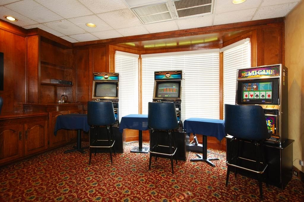 Best Western Forest Inn - Video Poker Machines
