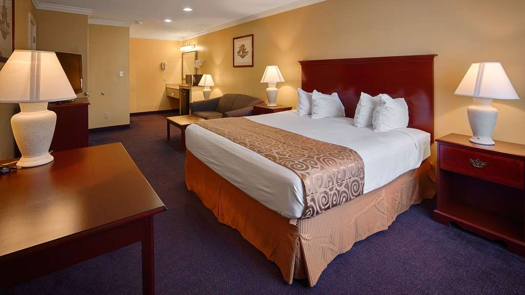 Best Western Forest Inn - King Suite
