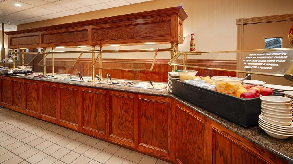Best Western Forest Inn - Dining area for our hot breakfast buffet is available to our guests Tuesday - Saturday.