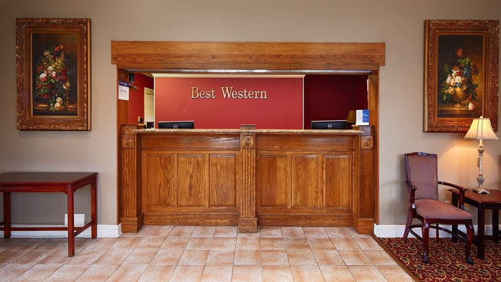 Best Western Forest Inn - Front Desk