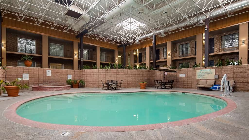 Best Western of Alexandria Inn & Suites & Conference Center - Piscina