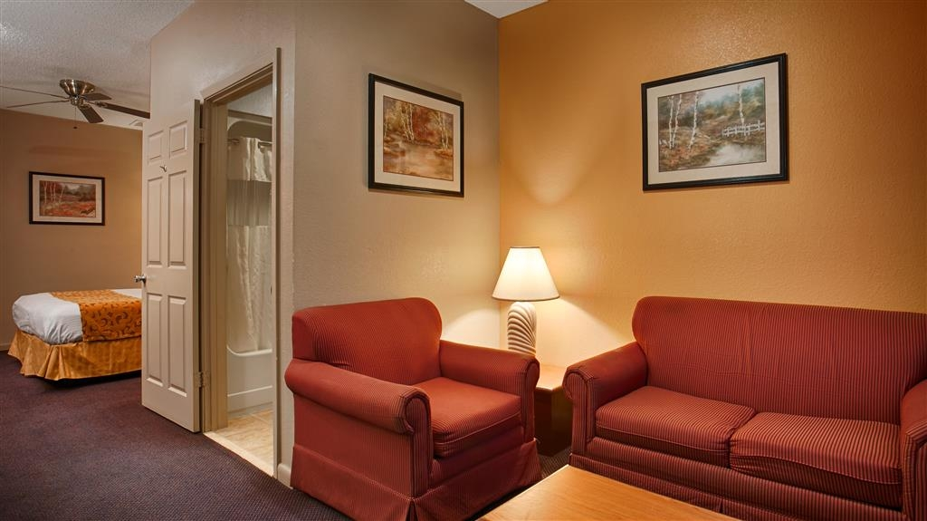 Best Western Delhi Inn - Chambres / Logements