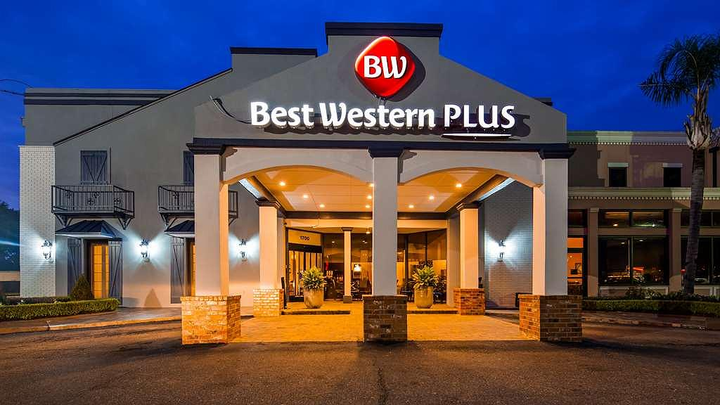 Best Western Plus Westbank - Facciata dell'albergo