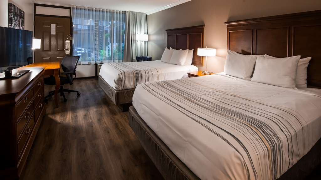 Best Western Plus Westbank - Our newly renovated double queen rooms are stylish and comfortable.