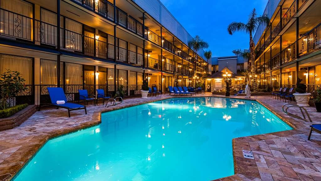 Best Western Plus Westbank - Our crisp, clean courtyard pool is the perfect place to cool off after a hot day touring our beautiful city- New Orleans.
