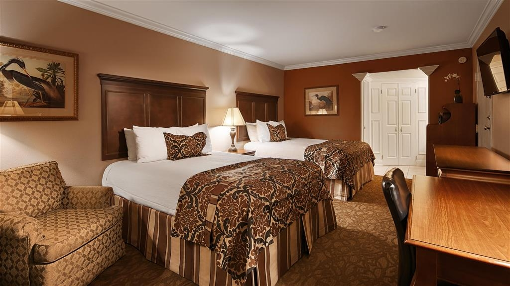 Best Western Plus Westbank - Bringing the family along? Then make a reservation for our double or queen bedroom.