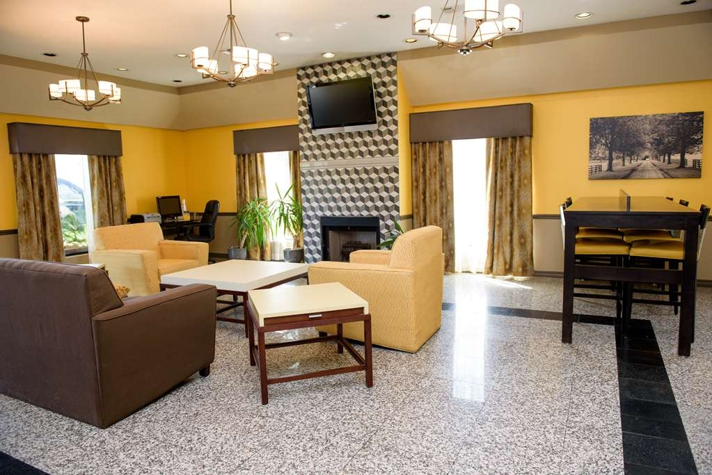 Best Western West Monroe Inn - We offer a common area with wireless Internet, faxing services, and computer access for our guests.