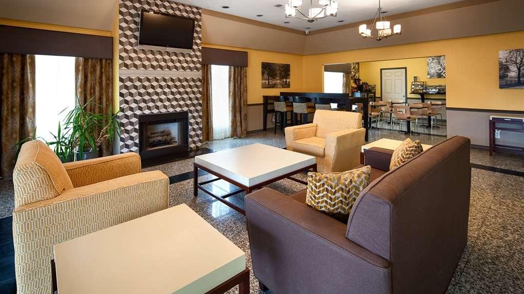 Best Western West Monroe Inn - Lobby and Sitting Area