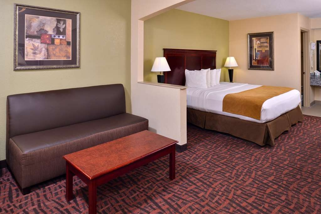 Best Western Eunice - Sink into the comfort of our pillow top mattress in our king guest room that also includes a microwave and a refrigerator.