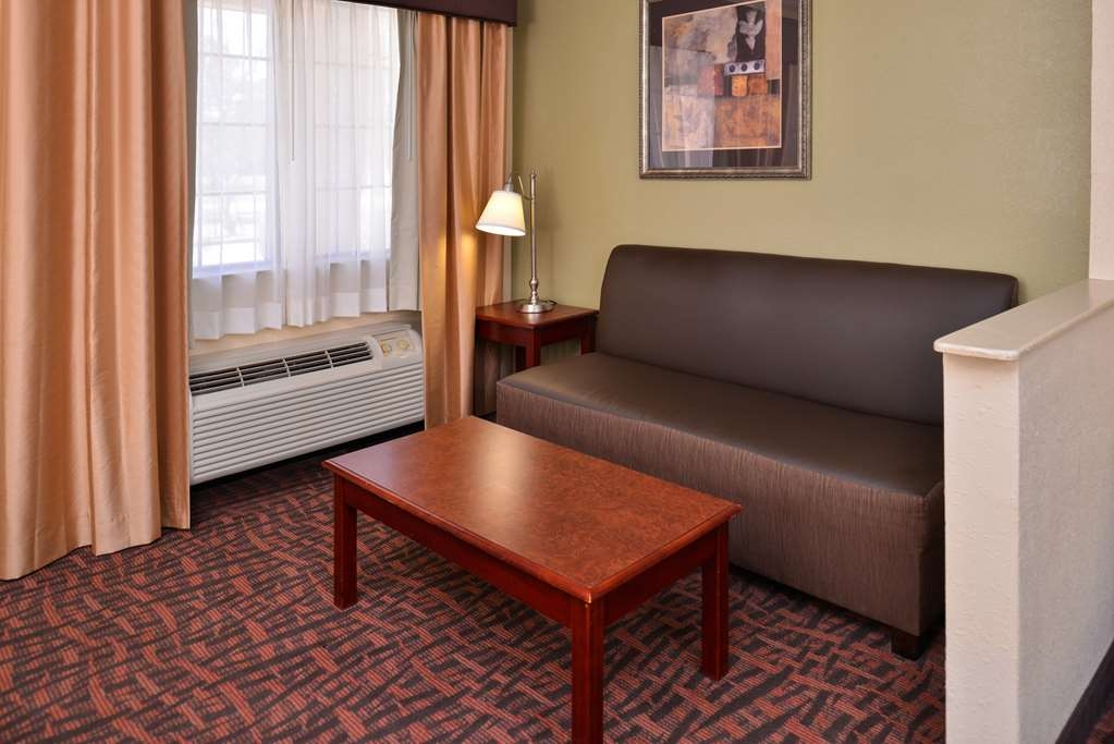 Best Western Eunice - Stay connected in all of our guest rooms with free unlimited high-speed Internet access.
