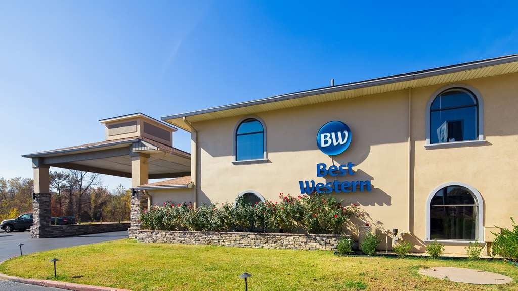 Best Western Minden Inn - No matter what time of year, we know you will love the Best Western Minden Inn.