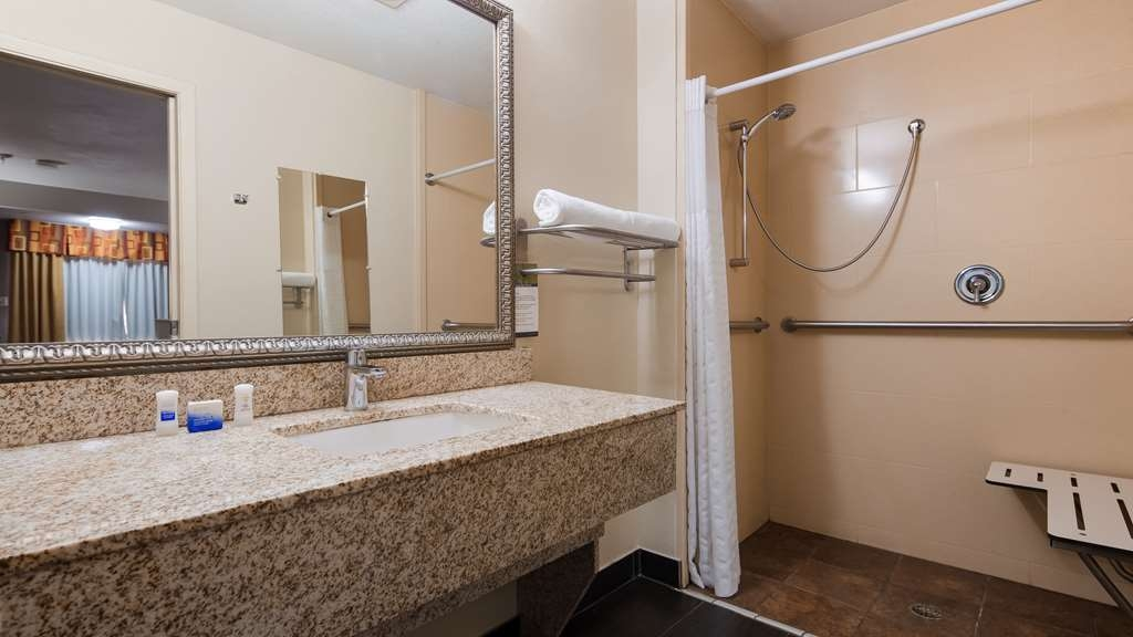 Best Western Minden Inn - Our bathrooms are designed for corporate and leisure traveler alike.
