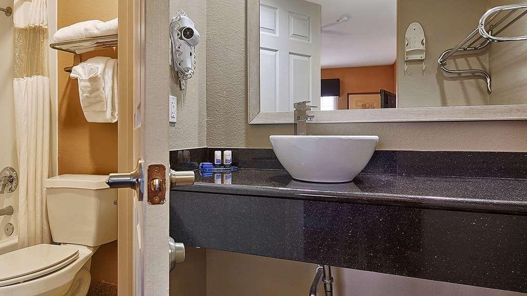 Best Western La Place Inn - Badezimmer
