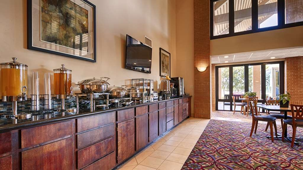 Best Western Inn at Coushatta - Join us every morning for a variety of your favorite morning treats.