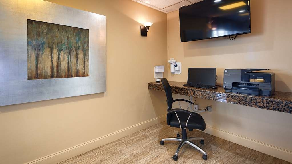 Best Western Magnolia Manor - Stay productive during your time away from home in our 24-hour business center.