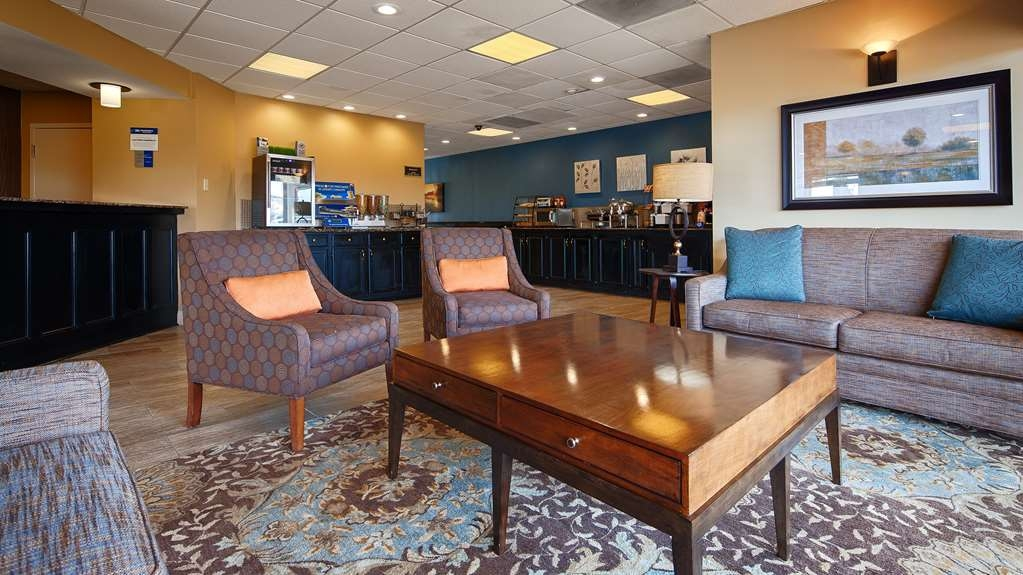 Best Western Magnolia Manor - Our lobby is the perfect spot to relax after a long day of work and travel.