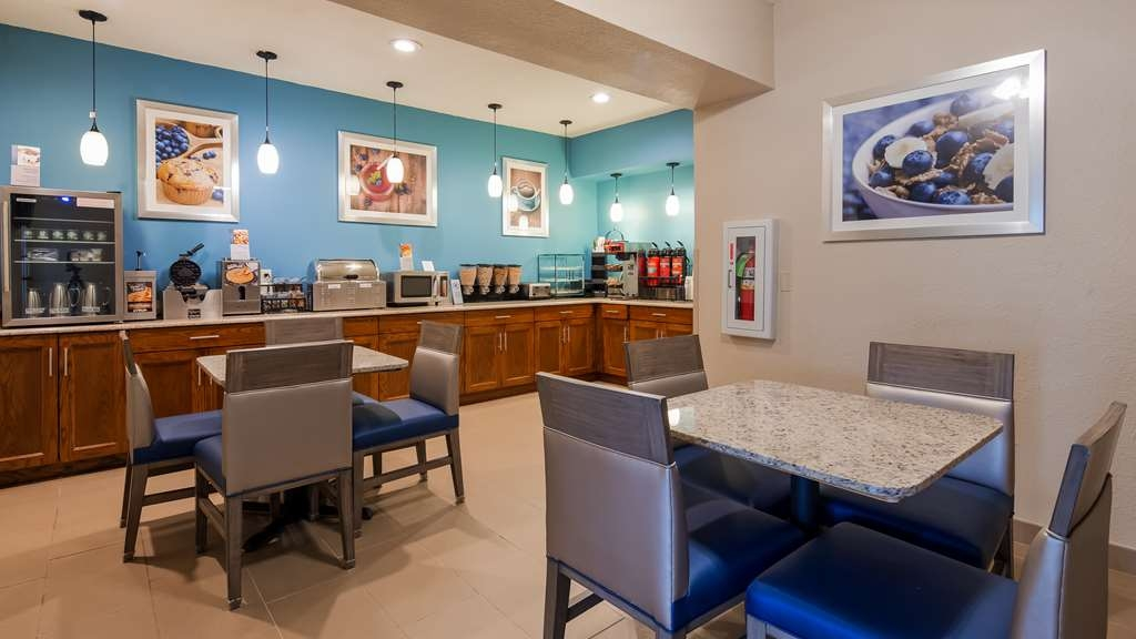Best Western Ville Platte - Sit down and enjoy the morning news while sipping a delicious cup of coffee.