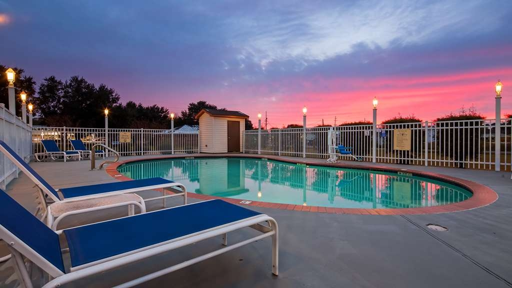 Best Western Ville Platte - The pool is perfect for swimming laps or taking a quick dip.