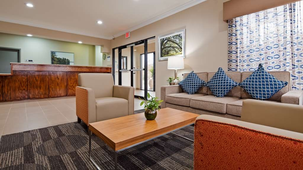 Best Western Ville Platte - Our lobby is the perfect spot to relax after a long day of work and travel.