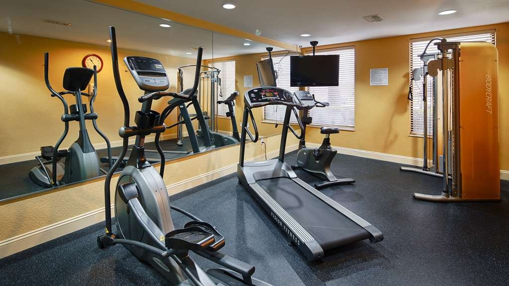 Best Western Plus Houma Inn - Stay active in our 24-hour fitness center that includes cardio and weight machines.