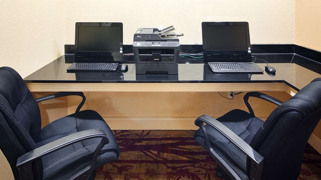 Best Western Plus Houma Inn - Get some work done in our 24-hour business center.
