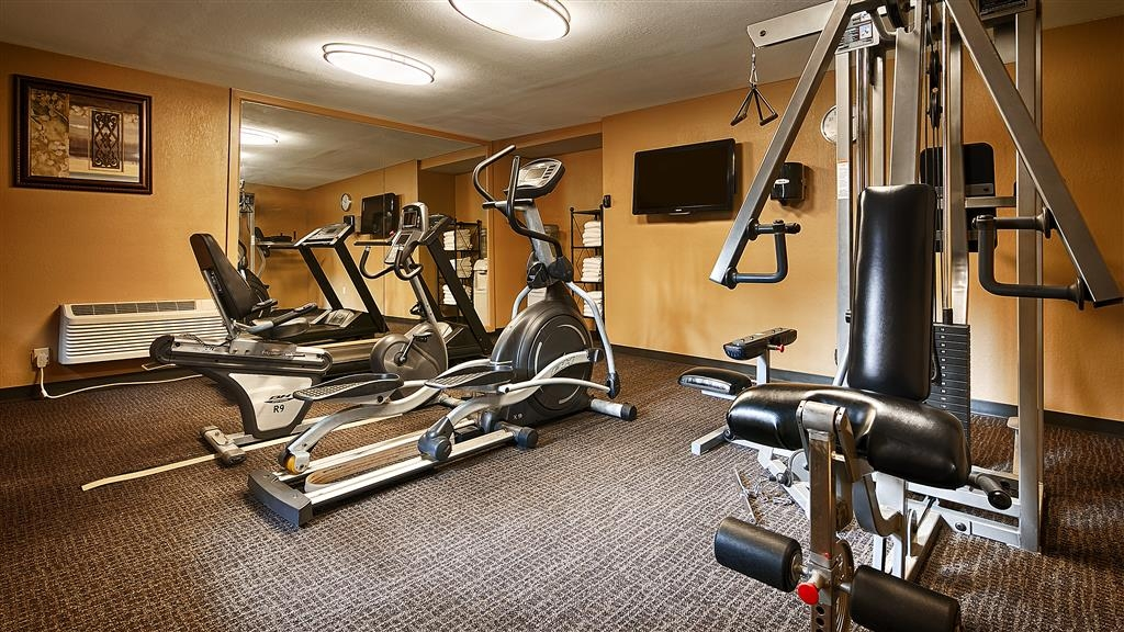 Best Western Plus French Quarter Landmark Hotel - Stay active in our fitness center open daily from 5 a.m. to 11 p.m.