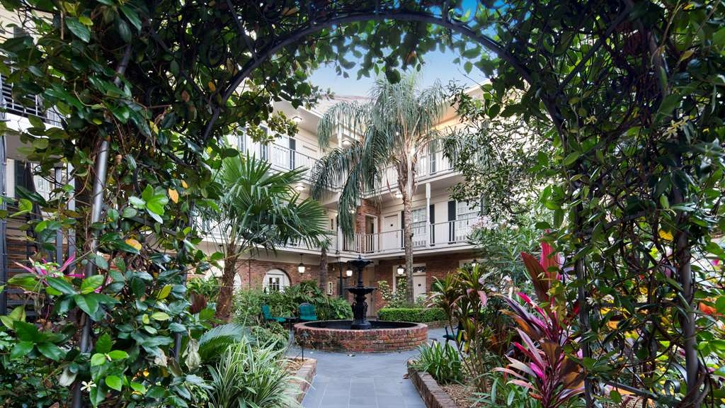 Best Western Plus French Quarter Landmark Hotel - We strive to exceed your every expectation starting from the moment you walk into our courtyard.
