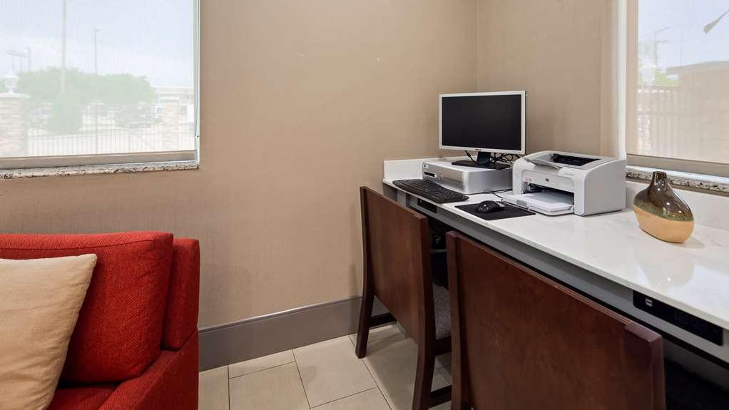 Best Western Plus Slidell Hotel - Business Center located in the lobby.