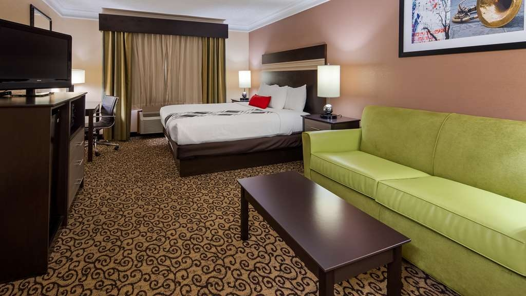 Best Western Plus Slidell Hotel - Enjoy the comforts of the King room with sofa pullout. Free wired and wireless high-speed Internet, mini refrigerator, microwave, flat panel TV and in-room safe. All rooms and suites offer a well lit work desk with ample outlets.