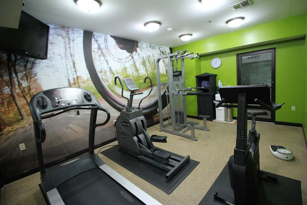 Best Western Plus Slidell Hotel - Work up a sweat in our Fitness Room!