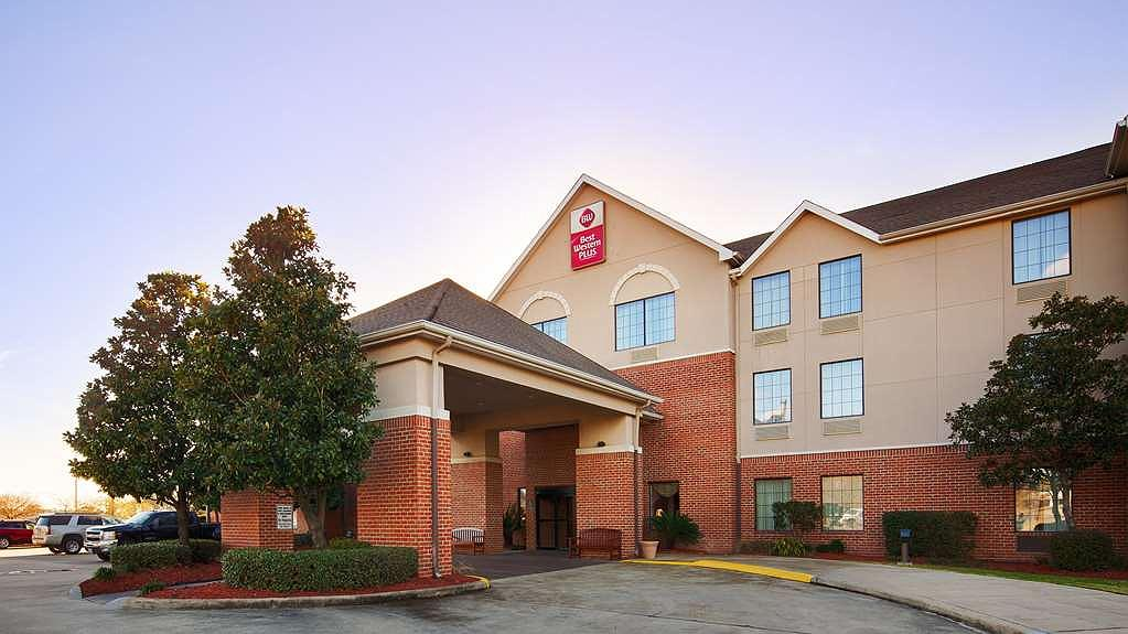 Best Western Plus Executive Hotel & Suites - Your comfort comes first at the Best Western Plus Executive Hotel & Suites in Sulphur, LA.