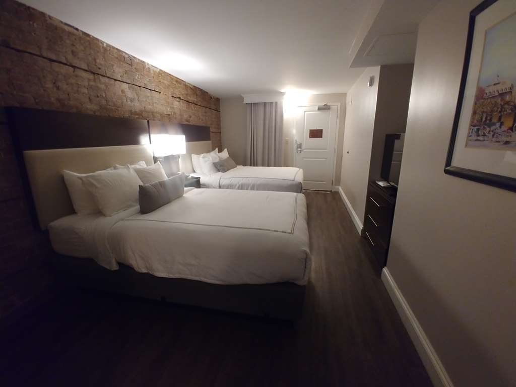 Best Western Plus St. Christopher Hotel - Suite