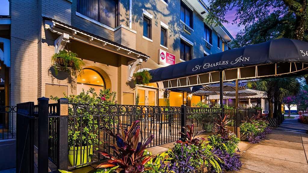 Best Western Plus St. Charles Inn - Vista exterior