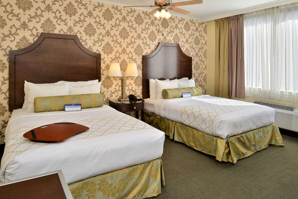 Best Western Plus St. Charles Inn - Double Mobility Accessible Room