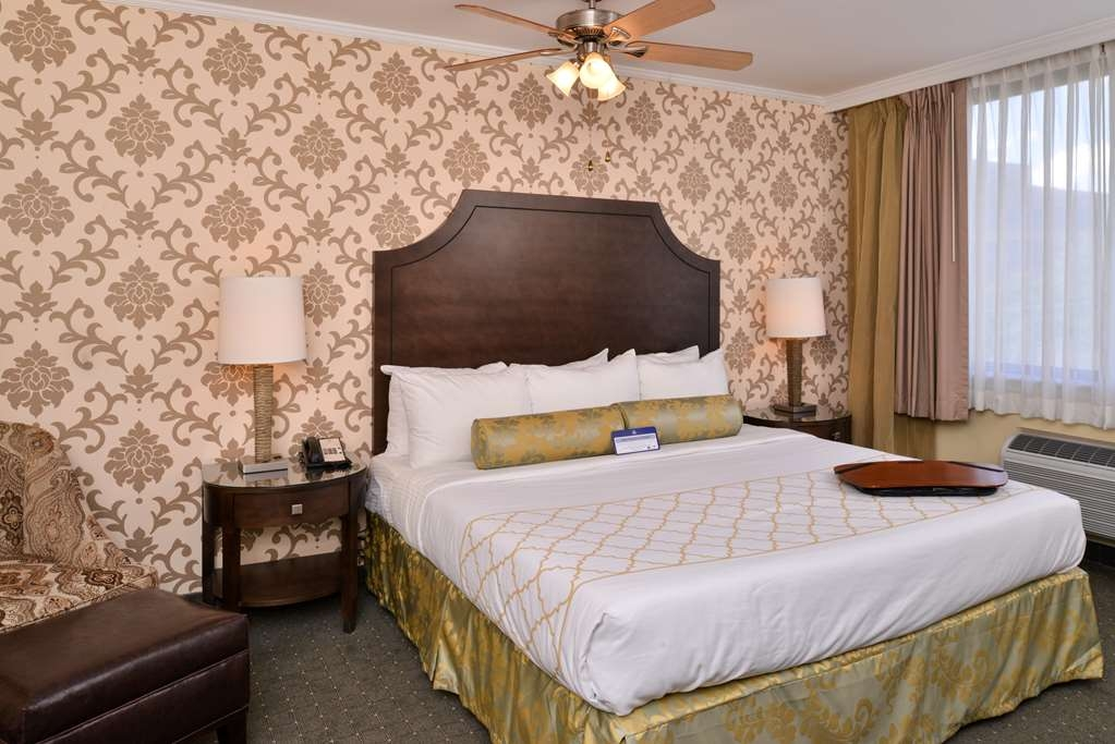 Best Western Plus St. Charles Inn - King Room