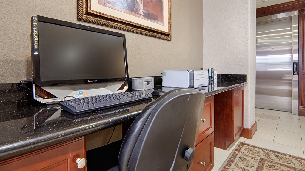 Best Western Isabelle Court - Our business center features a free printer for you to use.