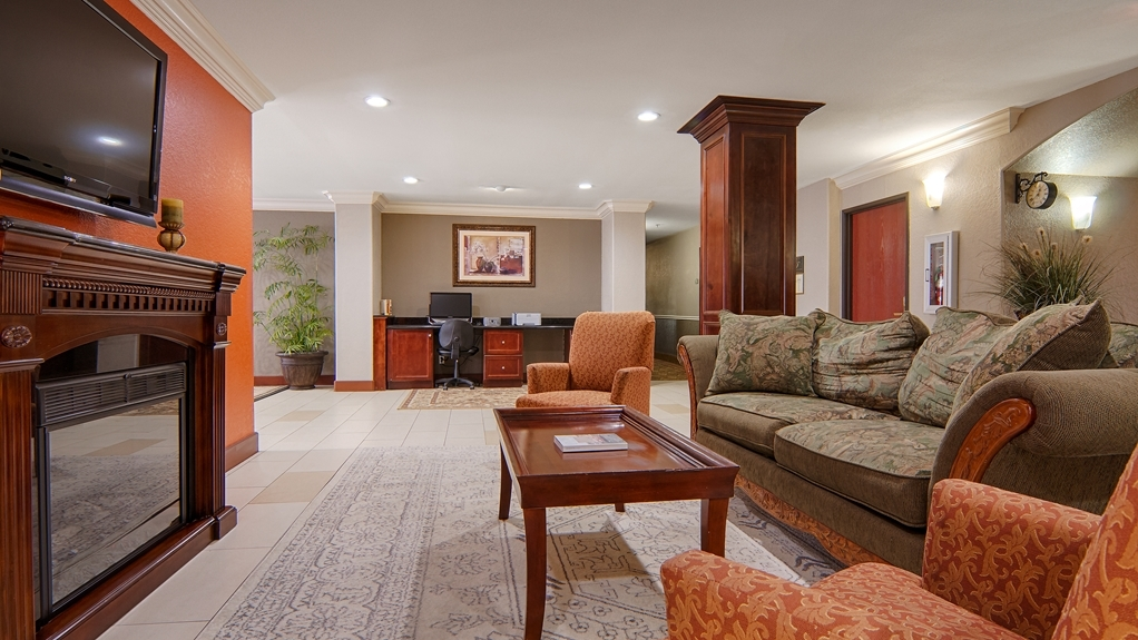 Best Western Isabelle Court - We strive to exceed your every expectation starting from the moment you walk into our lobby.