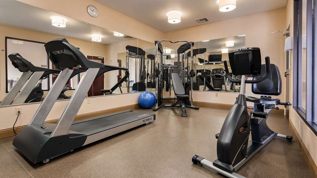 Best Western Plaquemine Inn - Our fitness room is a great way to keep active.