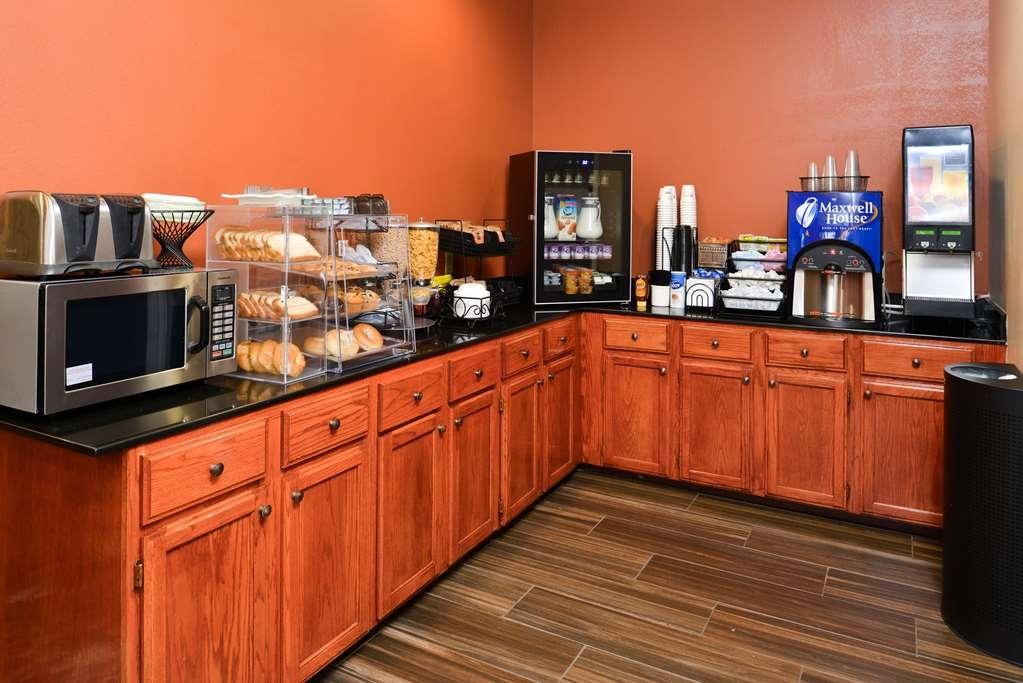 Best Western Plaquemine Inn - Breakfast Area