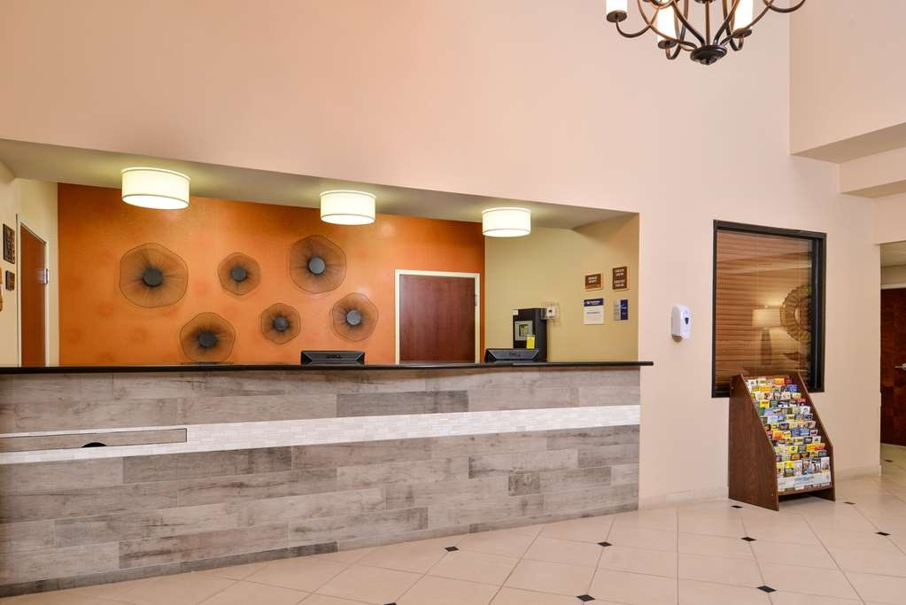 Best Western Plaquemine Inn - Hall