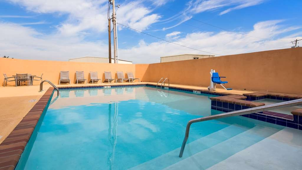 Best Western Abbeville Inn & Suites - Vista de la piscina