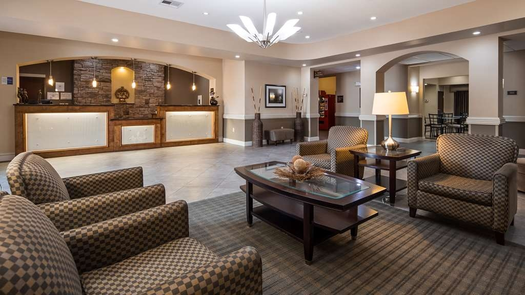 Best Western Abbeville Inn & Suites - First impressions are the most important, and our chic lobby is no exception to that rule.