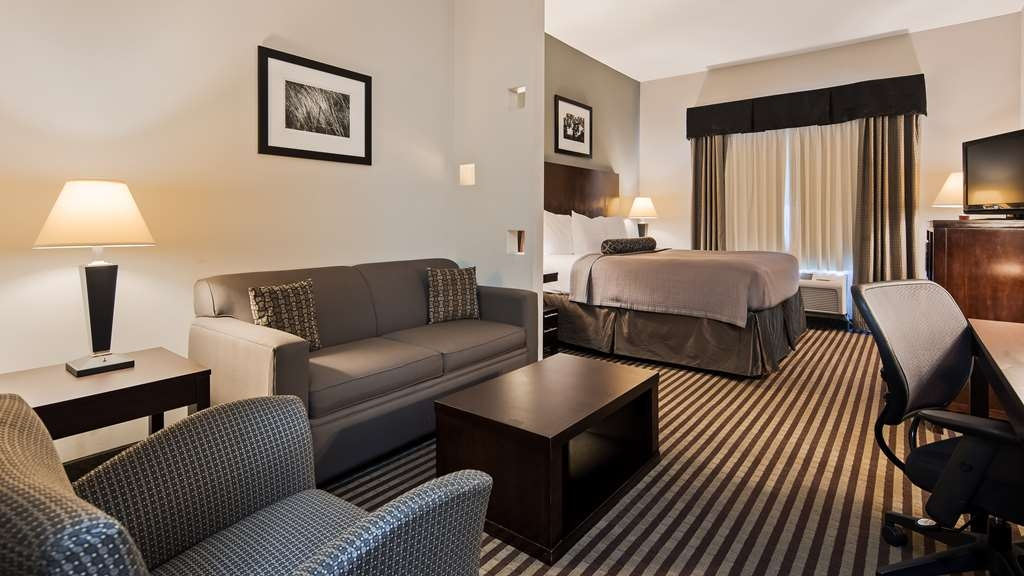 Best Western Abbeville Inn & Suites - Stretch out and relax in our guest rooms.