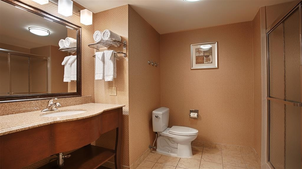 Best Western St. Francisville Hotel - Our spacious king guest bathrooms have a walk in shower.
