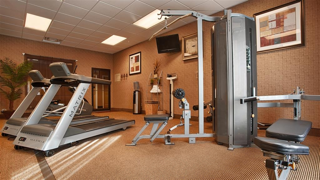 Best Western St. Francisville Hotel - Our convenient fitness center includes weight lifting equipment, stationary bike, and treadmills.