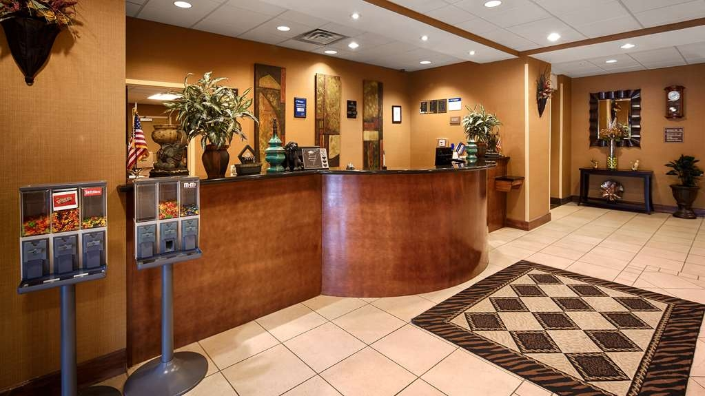 Best Western St. Francisville Hotel - Experience what southern hospitality is all about the moment you step into our hotel.