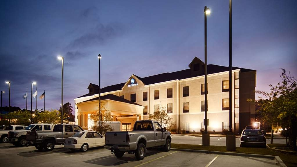 Best Western St. Francisville Hotel - no matter what time of the year, we know you will love the Best Western.
